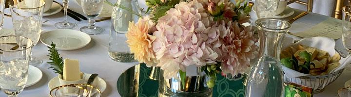 floral arrangement at table setting